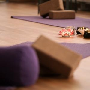 Lugn yoga online